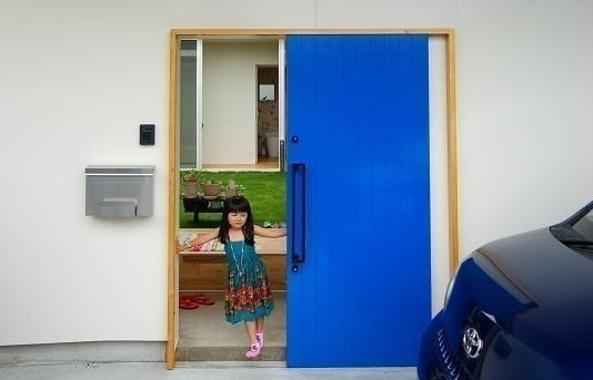 玄関ドアにオススメ!使い勝手のよい「引き戸』の魅力!!