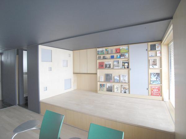 可動式の壁で空間を何通りもの使い方に。徹底的にコストカットしたリノベーション