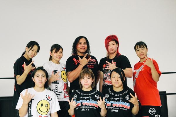 女子プロレスの共同生活。ライバルとの闘いと仲間との絆