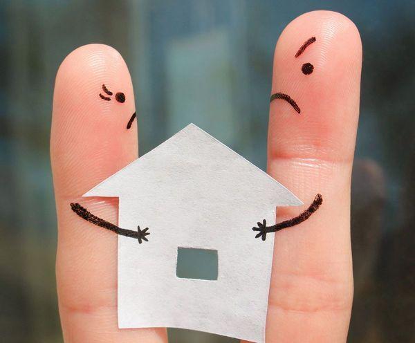 住宅ローン返済中に離婚したら、家はどうなる?