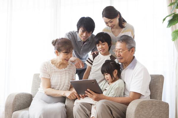 親と同居経験者の7割以上が介護者!親を介護しやすい二世帯住宅とは?