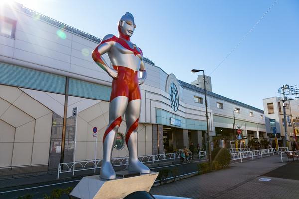 ウルトラマンが見守る「祖師谷」のほのぼの商店街