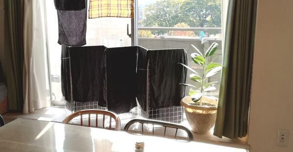 冬の乾燥対策も。タオルスタンドを100均ワイヤーネットで簡単DIY