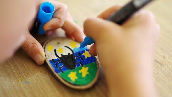 子どもが作った図画工作…どうやって整理する? 持ち味を生かした収納テク