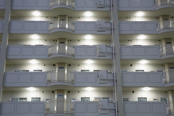 玄関扉の表は共用部分で裏は専有部分⁉ 分譲マンションの分かりにくい権利関係