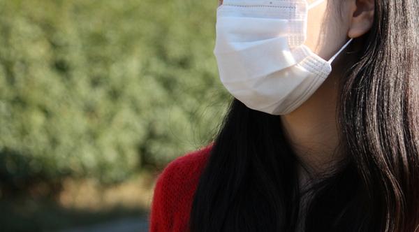 つらい花粉、自宅での花粉対策1位は空気清浄機。外出時の対策で効果的なモノは?