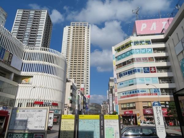 新宿直通の利便性に穴場な街も。都営新宿線のおすすめ3駅