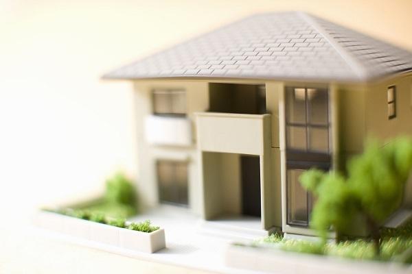 一戸建てとマンション、どちらが買い?
