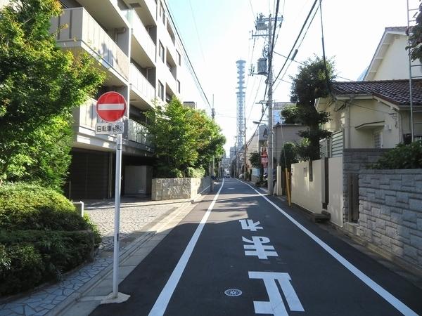 繁華街だけじゃない。新宿の知られざるお屋敷街探訪
