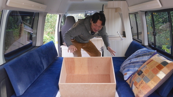 キャンピングカーがやってきた:入らなかった収納ボックスの作り直しを試みる