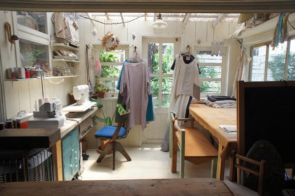 賃貸の平屋をセルフリノベでカフェに 天井を抜いてロフトも製作