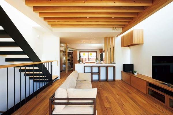 光と風が抜ける家。自然素材と職人の丁寧な仕上げが安らぎを生む