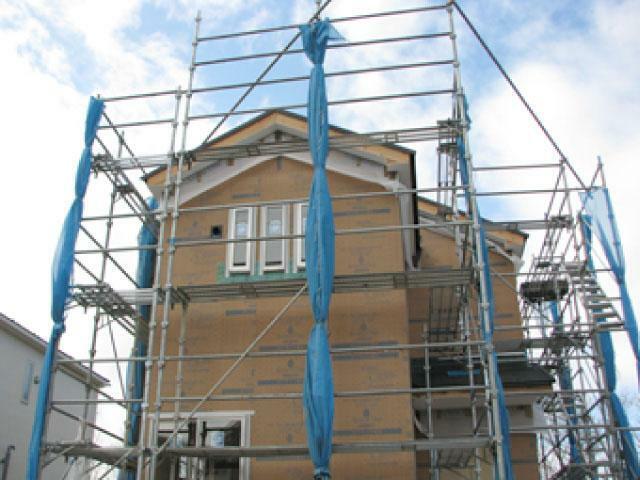 構造・工法・仕様 ダイライト工法を採用。  従来の木造軸組工法の側面にダイライト材を使い、耐震性・防火性・防湿性を向上させてります。