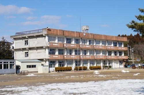 小学校 吉田小学校 徒歩12分(約950m)