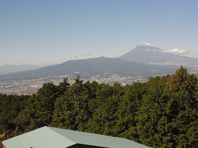 眺望 富士山、駿河湾を望む。沼津、三島の夜景もきれい。