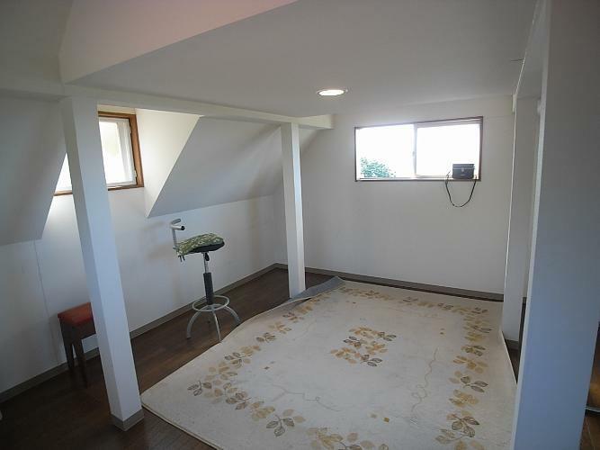 3階屋根裏部屋