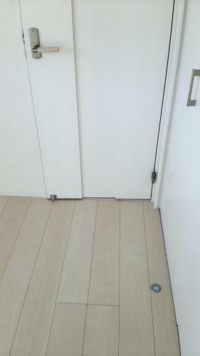 同仕様写真(内観) ドアストッパーはマグネット式!安心ですし邪魔になりませんね!(参考例です)