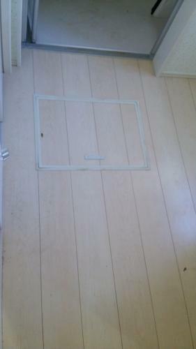 同仕様写真(内観) 洗面所床にも床下点検口があります。(参考例です)