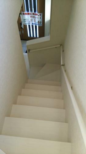 同仕様写真(内観) 手摺付の階段はバリアフリーで安心ですね。(参考例です)