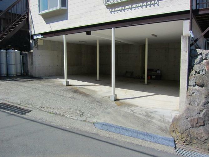 駐車場 3台分のスペースがあります