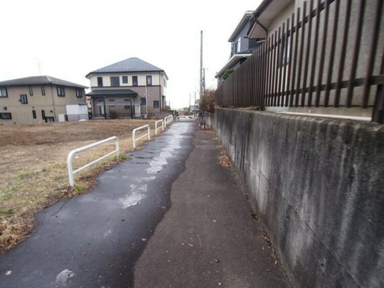 「国見」駅より徒歩約5分の立地です。