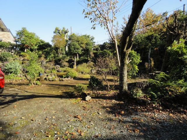 庭 平坦な庭で菜園・ガーデニングを楽しめます