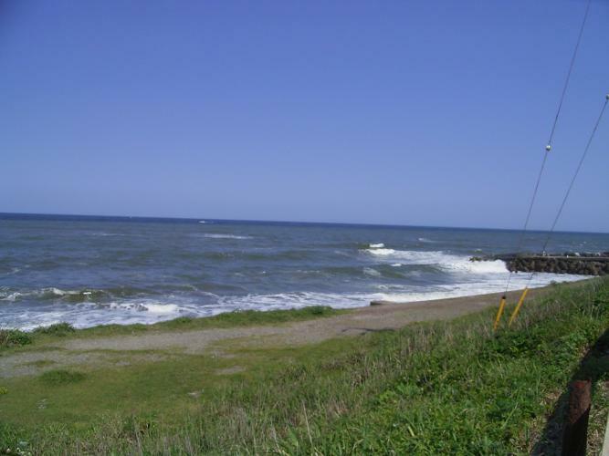 外観写真 道路隔ててすぐ海です
