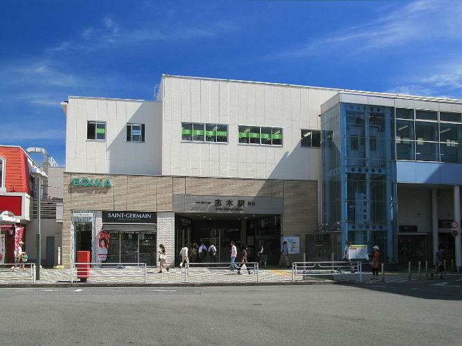 志木駅  賑わう街並みです。
