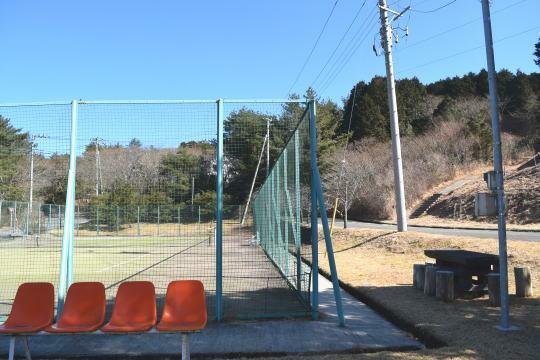 公園 別荘地内のテニスコートと公園がすぐそば