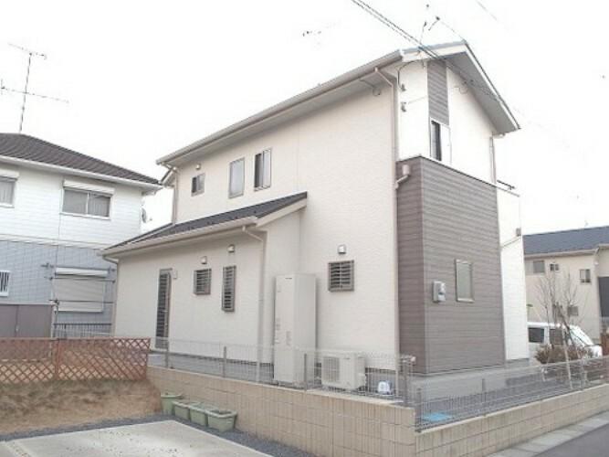 外観写真 平成26年6月築のお住まいです。