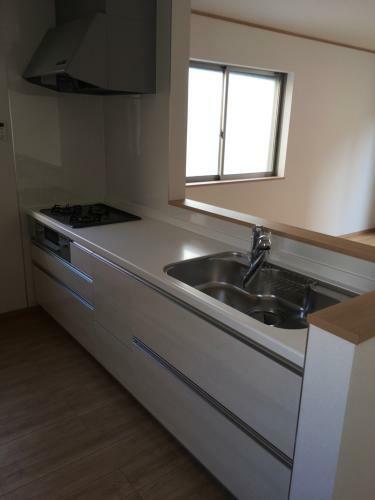 キッチン イメージ写真(システムキッチン、オールインワン浄水栓)