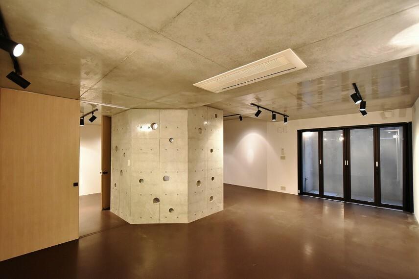 洋室 地下マルチスペース