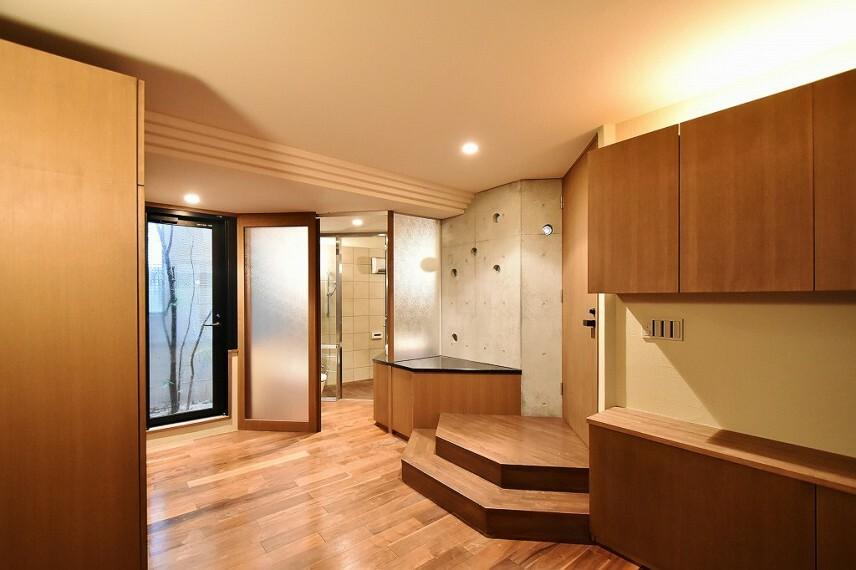 洋室 1階