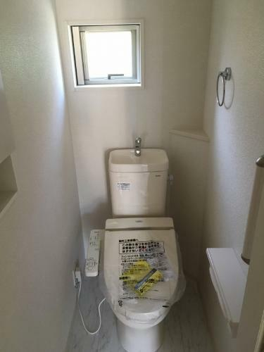 トイレ イメージ写真 ●ウォシュレットトイレ(1階、2階)