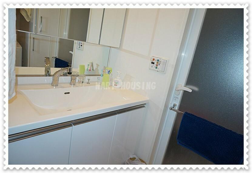 洗面化粧台 家族みんなが使う洗面台は広さがあります!