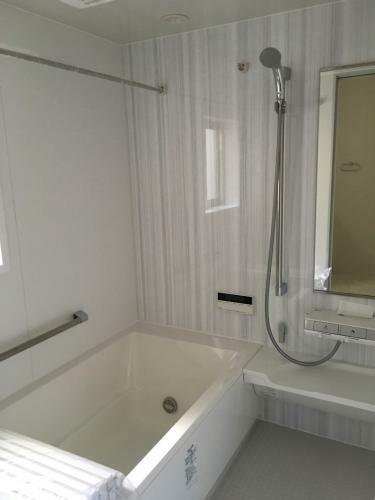 浴室 イメージ写真(LIXIL仕様、浴室換気乾燥機)