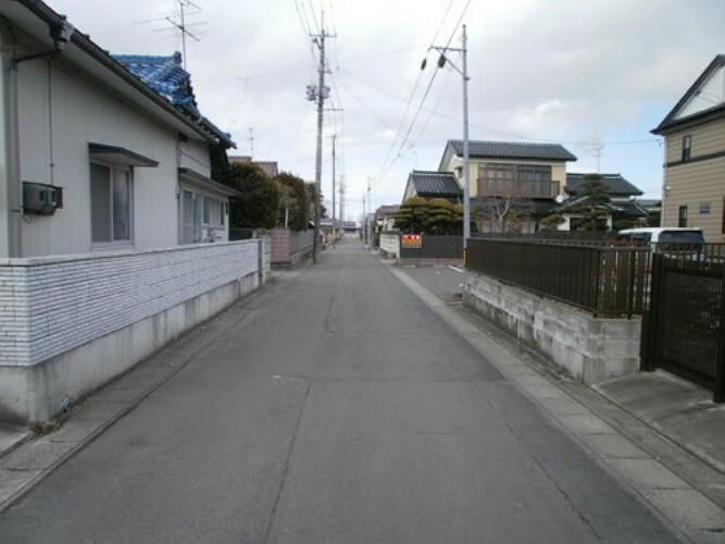 現況写真 前面道路は約4m幅ございます。