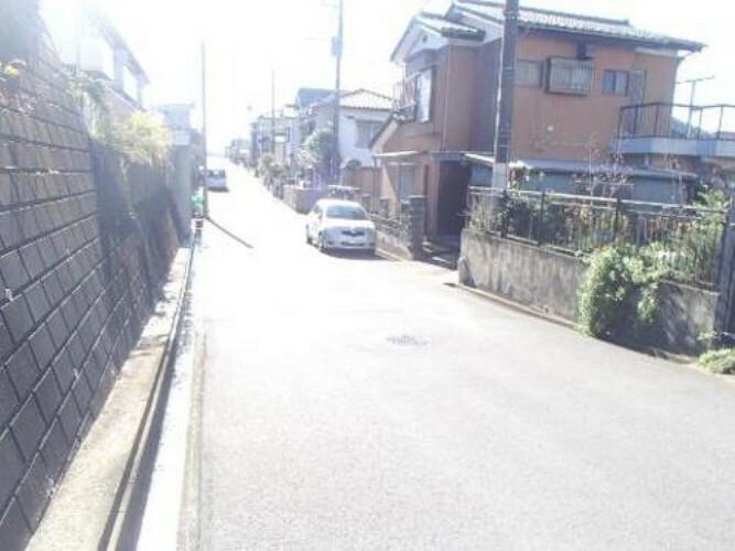 現況写真 バス停より徒歩約3分。JR「木更津」駅を利用頂けます。