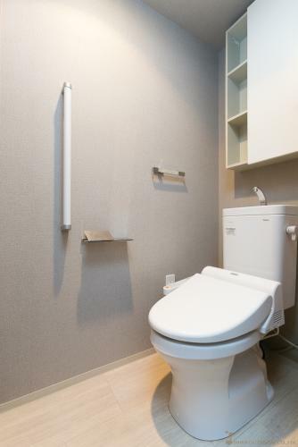 トイレ トイレ *同タイプ写真(現状優先・一部仕様は実際と異なります)