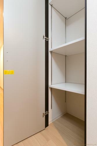収納 廊下 収納 *同タイプ写真(現状優先・一部仕様は実際と異なります)