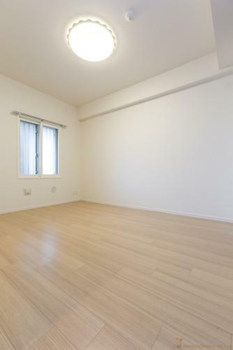 寝室 洋室(1) 約6.5帖 *同タイプ写真(現状優先・一部仕様は実際と異なります)