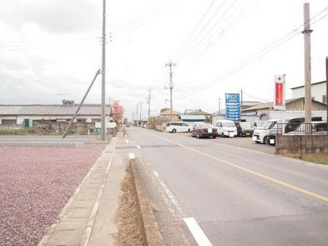 現況写真 西側幅員約8mの前面道路です。