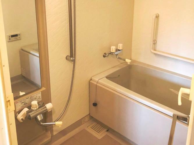 浴室 浴室乾燥機つきです