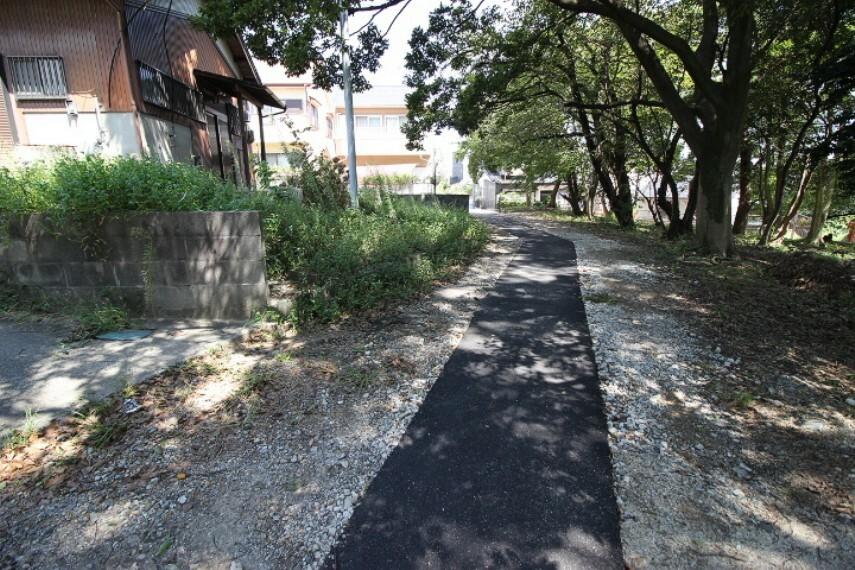 外観・現況 乙川公園まで徒歩11分の距離