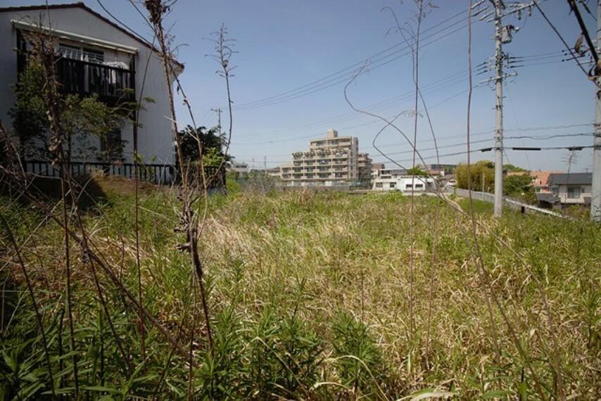 外観・現況 土地66.23坪、北側公道約6m、間口20.08m