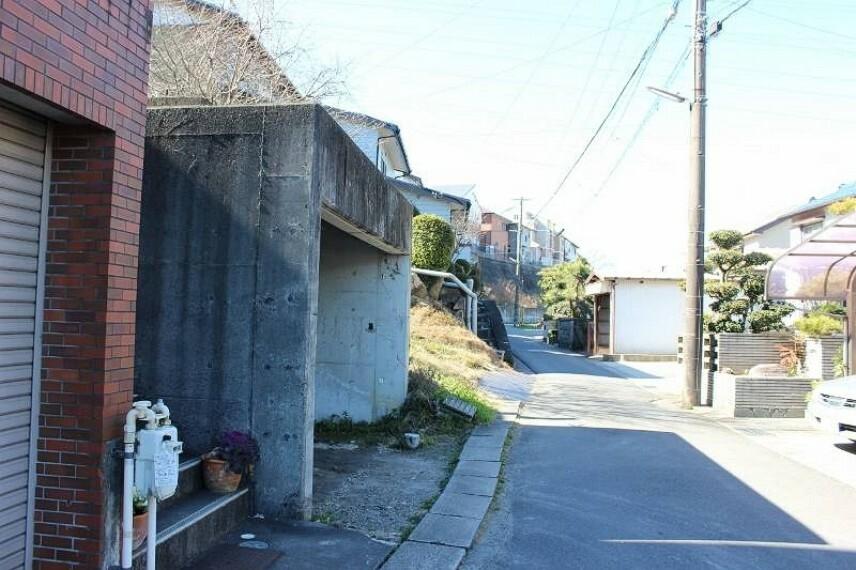 外観・現況 東部中学校まで徒歩13分(約1000m)