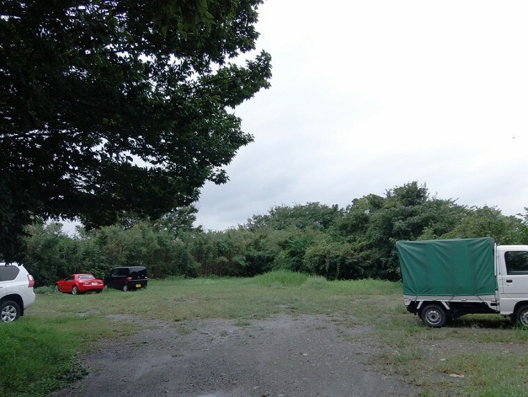 外観・現況 亀崎小学校まで徒歩7分(約500m) 亀崎中学校まで徒歩5分(約400m) 教育施設が整った立地です
