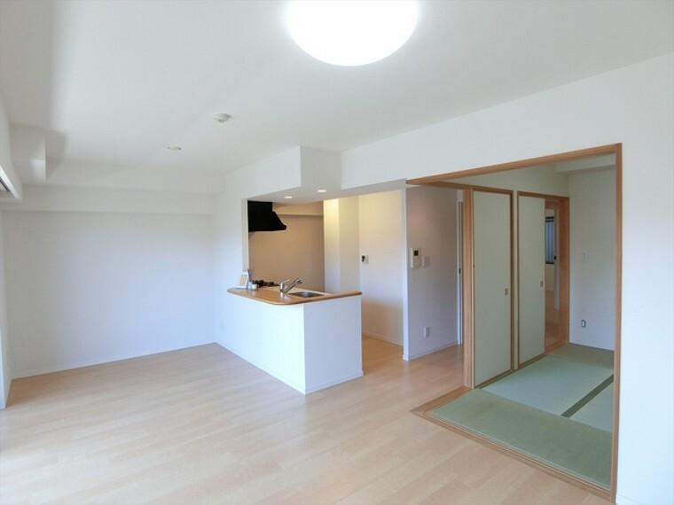 居間・リビング 広いスペースのLDK。