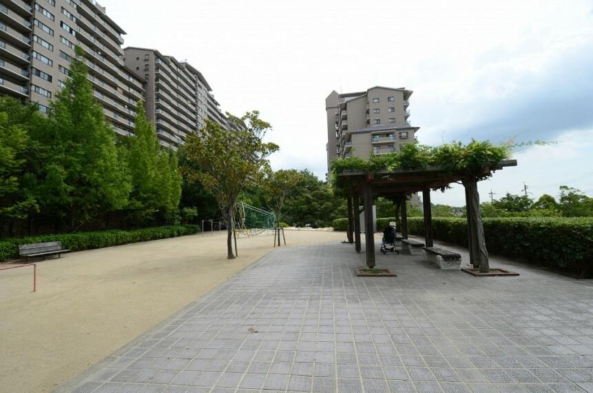 公園 【公園】すみれガ丘南公園まで2065m