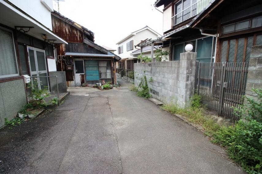 外観・現況 半田幼稚園まで徒歩6分(約500m)